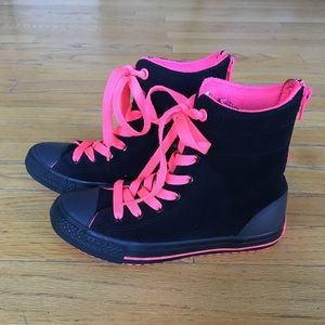 Converse High too size 2